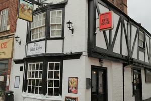 A pint of Landlord gives hope for cask